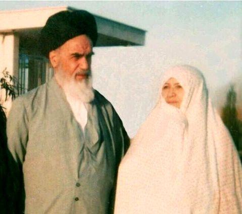 عکس خبري - عکس قديمي از حضرت امام (ره) و همسرشان در قم