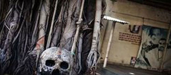 عکس خبري -عادات عجيب قبيلهاي مردهخوار در هند