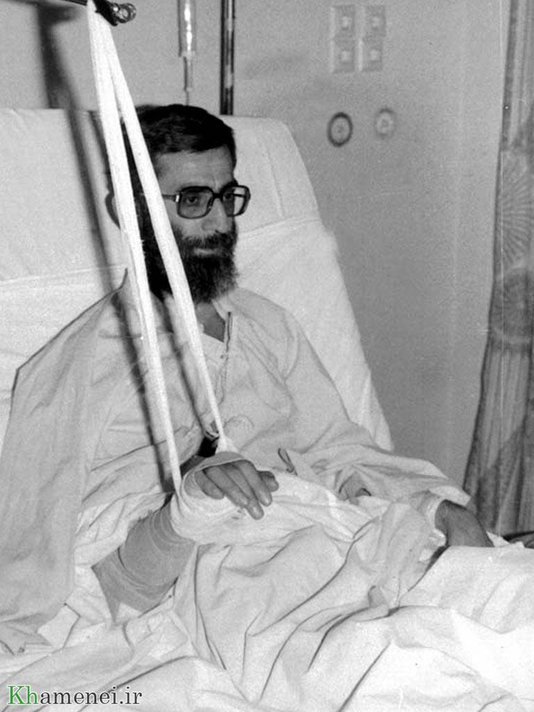 عکس خبري - روايت همسر آيتالله خامنهاي از وضعيت رهبر انقلاب بعد از ترور