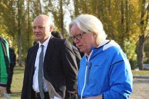 عکس خبري -حضور سفير آلمان در تمرين استقلال +عکس