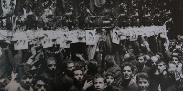 عکس خبري -دسته ميليوني در عاشوراي 1342