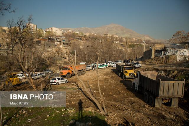 عکس خبري -تنها يک پاتوق در شمال دره باقيمانده