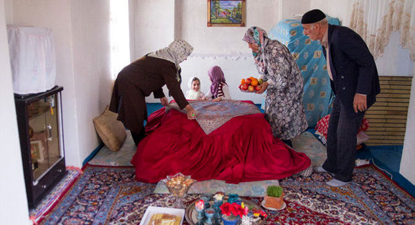 عکس خبري -مومن غصه برادران مسلمانش را ميخورد