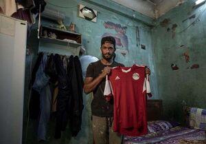 عکس خبري -دستفروشي بازيکن مصري بهخاطر کرونا +عکس