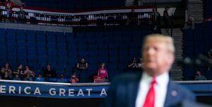 عکس خبري -سندرز: مردم دارند ميفهمند که ترامپ شياد است