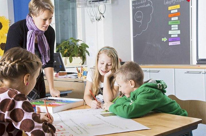 عکس خبري -نگاهي به نردبان شغلي معلمان