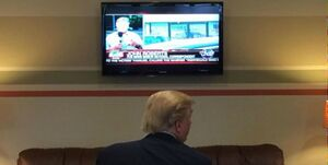 عکس خبري -بولتون: ترامپ بيشتر از اين که در دفتر کارش باشد مقابل تلويزيون است