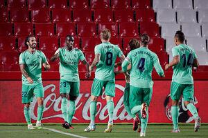 عکس خبري -رئال مادريد يک گام تا قهرماني در لاليگا