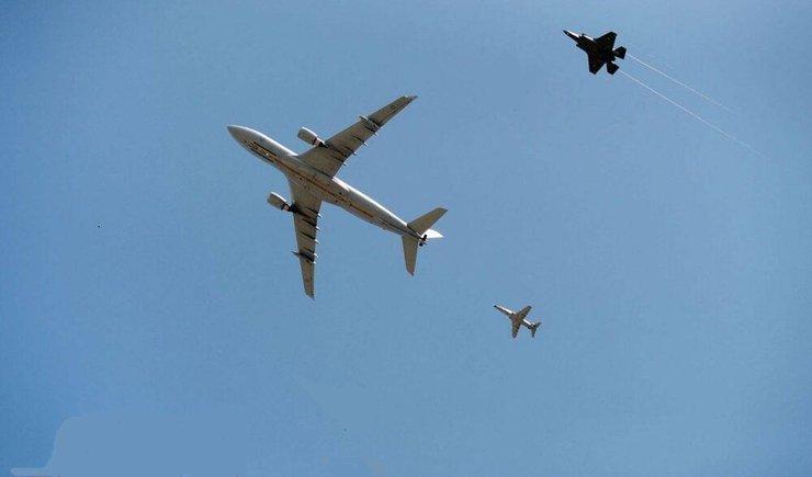 عکس خبري -تهديد هواپيماي مسافري ايران سند درماندگي آمريکا