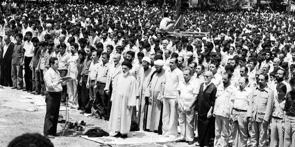 عکس خبري -برخورد مرحوم طالقاني با کساني که از مسير انقلاب و اسلام جدا ميشدند
