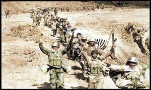 عکس خبري -از پارهکردن قرارداد توسط صدام تا شهادت «بوسانه»