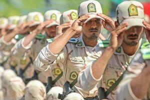 عکس خبري -ارائه خدمات به سربازان از طريق دفاتر الکترونيکي