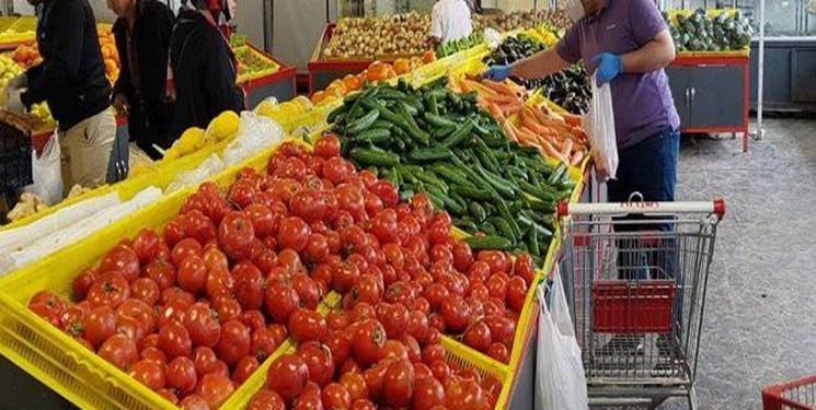 عکس خبري -کاهش قيمت گوجه فرنگي در ميادين ميوه و تره بار