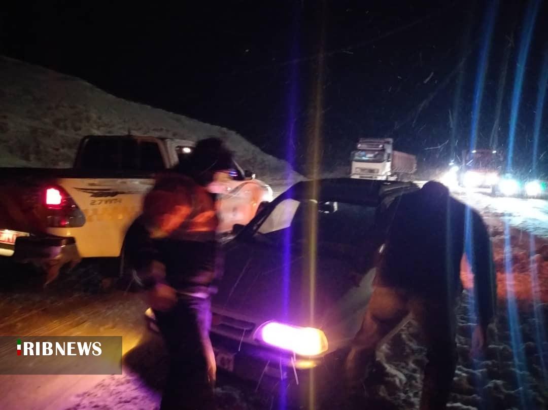 عکس خبري -امدادرساني به ??? فرد گرفتار در برف، يخبندان و سيلاب