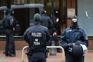 عکس خبري -تيراندازي در برلين ? مجروح برجاي گذاشت