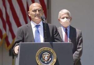 عکس خبري -بايدن رئيس تيم توليد واکسن کروناي آمريکا را برکنار کرد