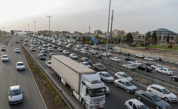 عکس خبري -ترافيک جادههاي استان همدان با کاهش سطح محدوديتها افزايش يافته است