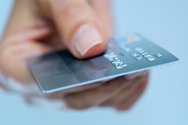 عکس خبري - نحوه ضدعفوني کردن کارت بانکي چگونه است؟