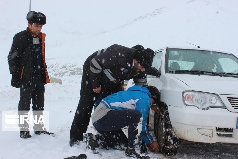 عکس خبري -پليس راه همدان: رانندگان تجهيزات زمستاني به همراه داشته باشند