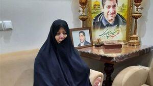عکس خبري -خبر شهادت حسين را از تلويزيون شنيدم