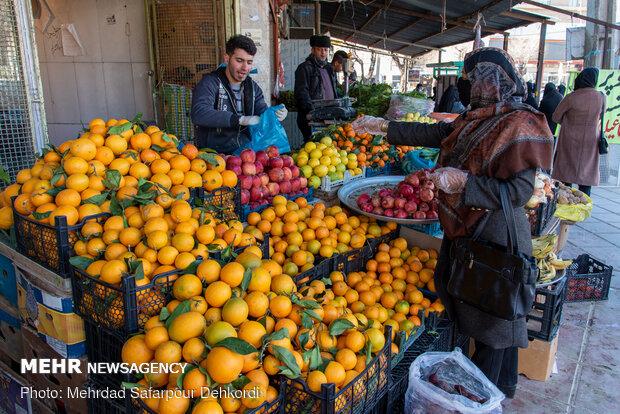 عکس خبري -کاهش قيمت گوجه فرنگي و پياز سفيد در ميادين ميوه و تره بار