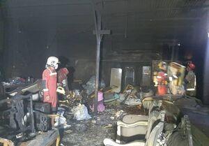 عکس خبري -آتشسوزي کارگاه مبلسازي در مجتمع مسکوني