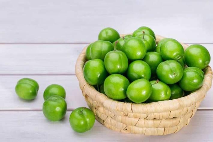 عکس خبري - چه کساني نبايد گوجه سبز بخورند؟