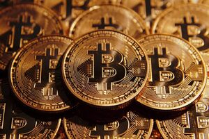 عکس خبري -خروج پول از کشور با ارز ديجيتال/ توليد بهترين گزينه براي سرمايهگذاري است
