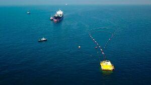 عکس خبري -آغاز عمليات بارگيري نخستين محموله صادراتي نفت ايران از درياي عمان