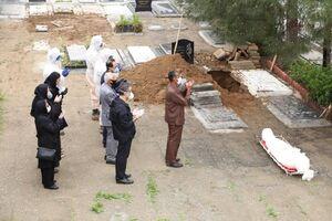 عکس خبري -مراحل تدفين متوفيان کرونايي در بهشت زهرا